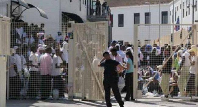 Tre sbarchi a Lampedusa di 248 migranti: hotspot al collasso