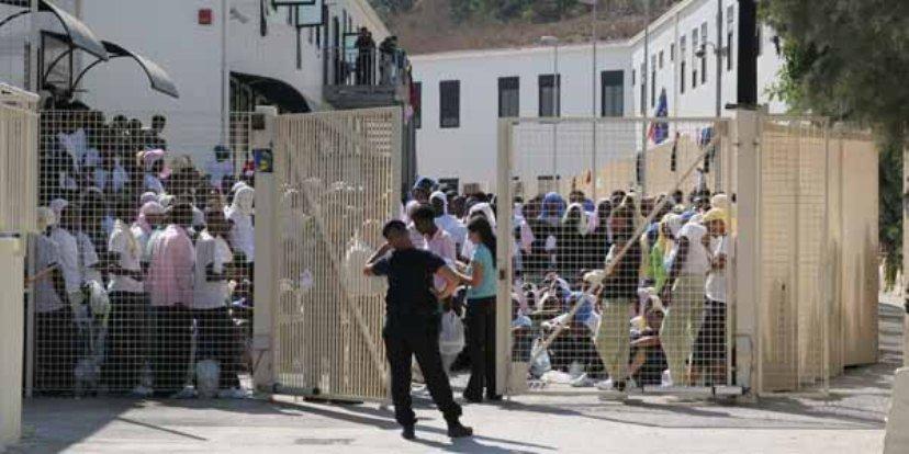 Hotspot di Lampedusa si nuovo pieno: 688 presenze
