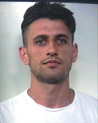 Droga, a Caltagirone con oltre un chilo di marijuana: due arresti