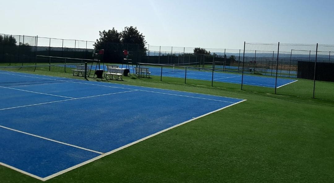 Tennis, sui campi di Solarino 4 formazioni over 40 femminili si contendono lo scudetto