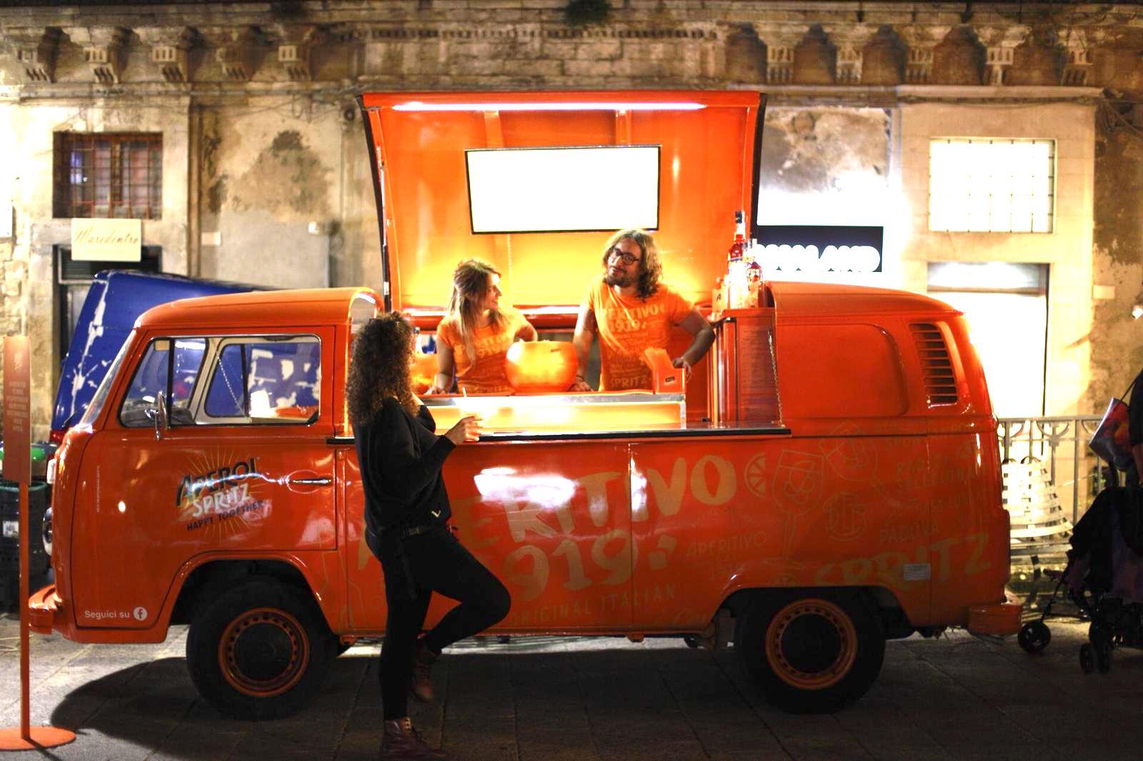 Artisti di strada, 16 spettacoli quasi in contemporanea a Ragusa Ibla