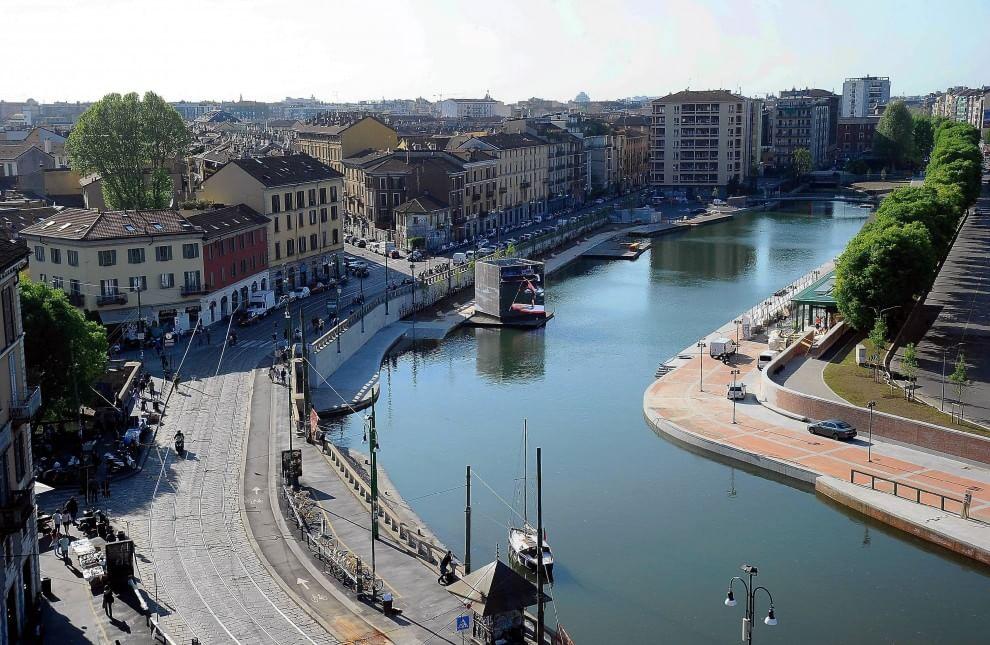 Il cadavere di una novantenne trovato in Darsena a Milano