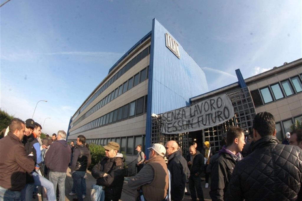 Ilva Taranto, lunedì il terzo sciopero in cinque mesi contro gli esuberi
