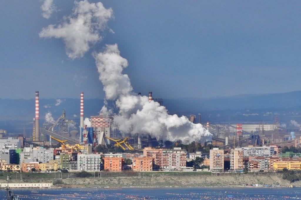L'Ilva finisce al gruppo Arcelor-Mittal e Marcegaglia: 4000 gli esuberi