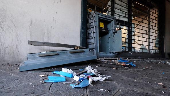 Lecce, sgominata banda che assaltava i bancomat: 5 arresti