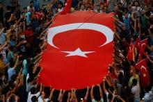 Turchia, golpe fallito: 300 morti e oltre 2.800 militari arrestati
