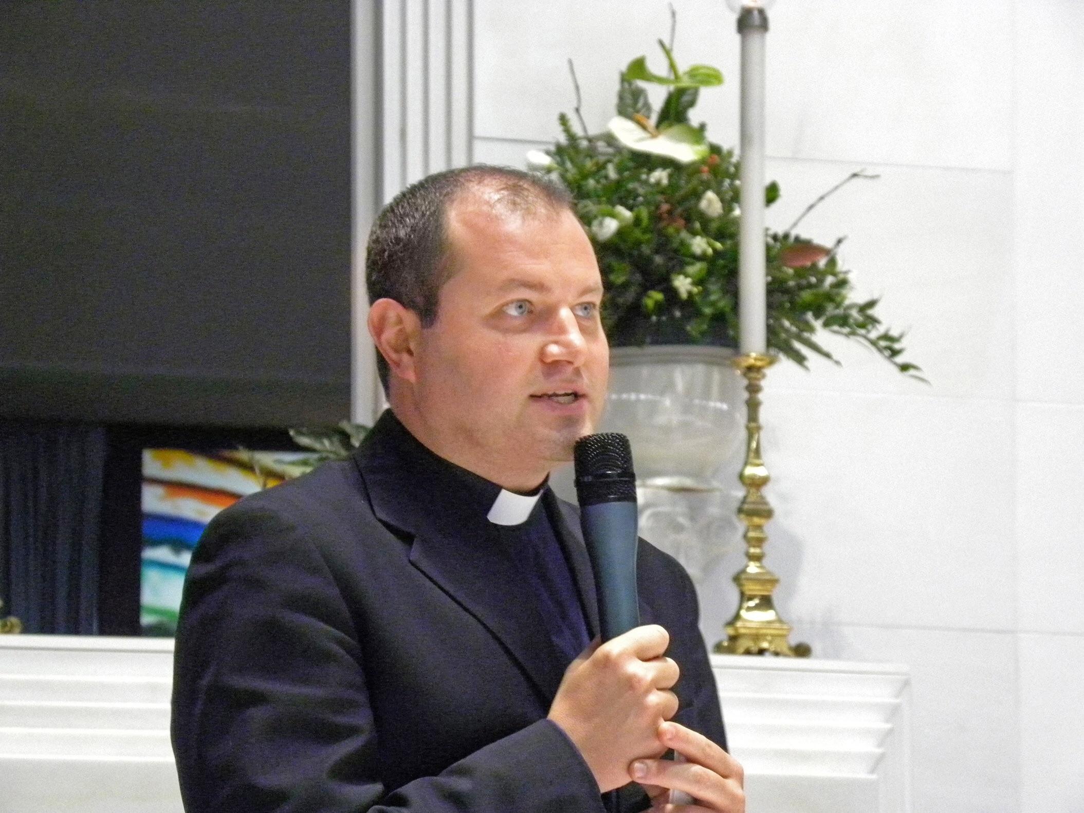 Solarino, Don Luca Saraceno è il nuovo parroco della chiesa Madre