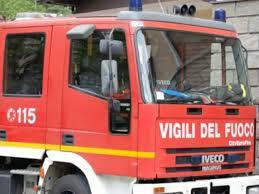 Siracusa, altra auto a fuoco nella notte in via Basilicata