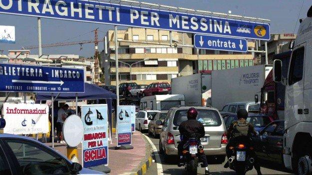 Villa San Giovanni, 3 ore di attesa agli imbarchi per la Sicilia