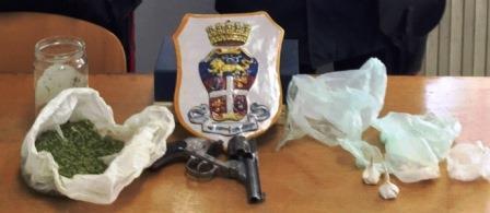 Palagonia, trovate armi e droga: tre arresti, due ai domiciliari