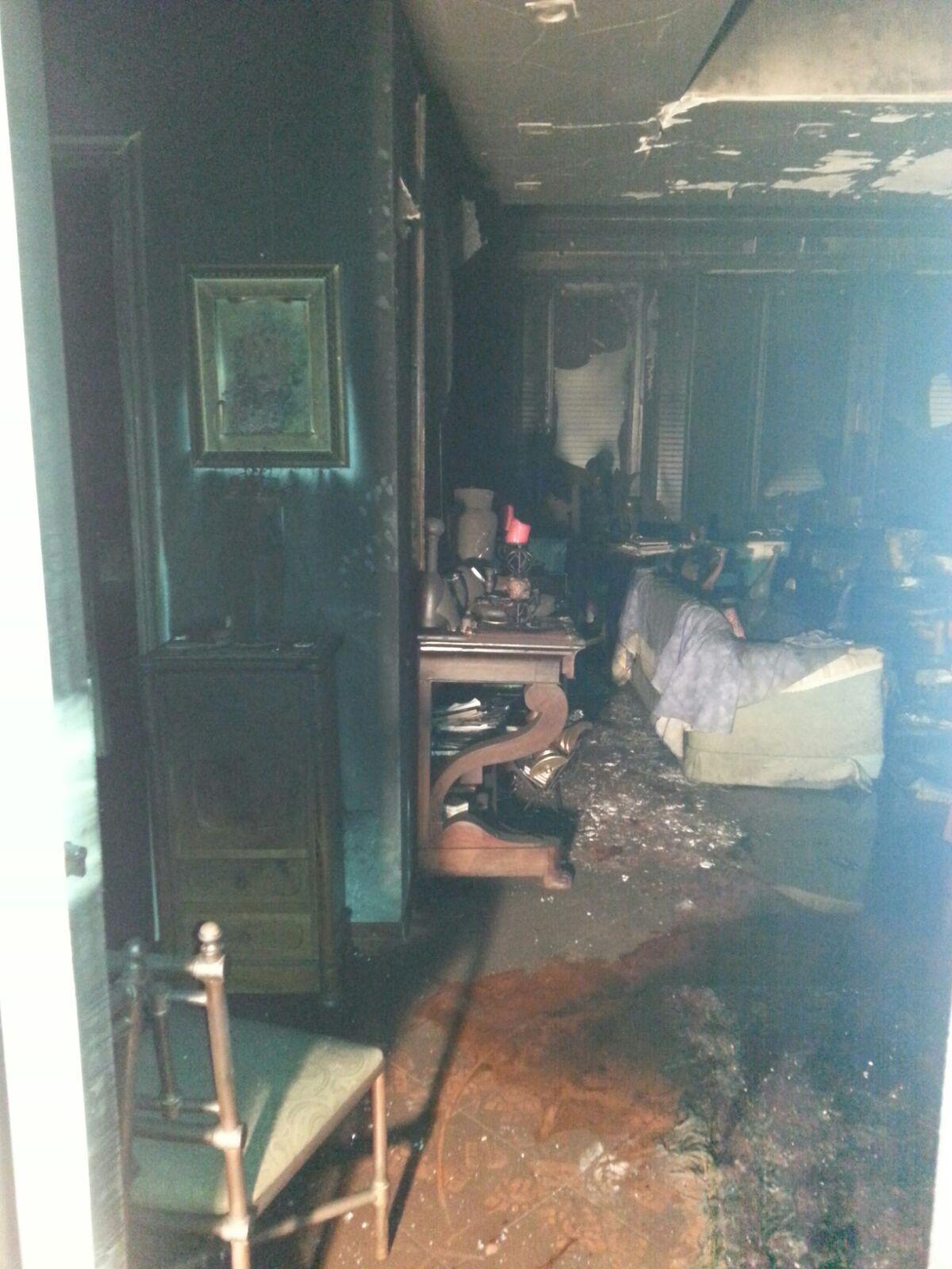 Aci Castello, abitazione in fiamme: due donne invalide salvate dai Carabinieri
