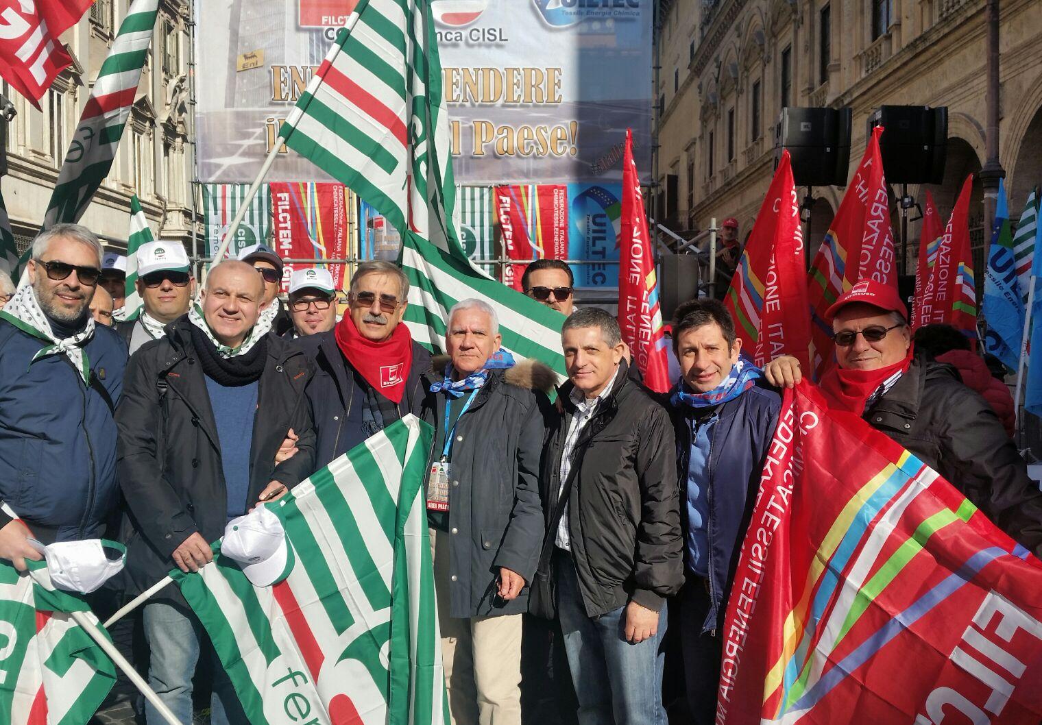 Grande partecipazione allo sciopero contro il piano di dismissione Eni