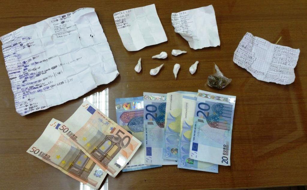 Giarre, presunto pusher in manette: sequestrati droga, soldi e lista clienti