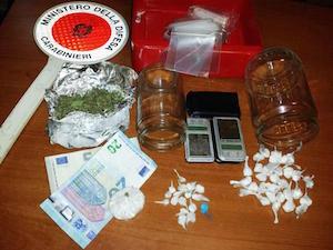 Catania, spaccia droga nel cuore di San Cristoforo: arrestato
