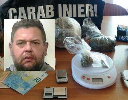 Gravina di Catania, preparavano la droga in casa: presi zio e nipote