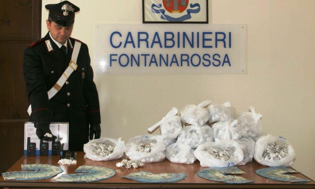 Catania, preso con 1,3 chili di marijuana e banconote false