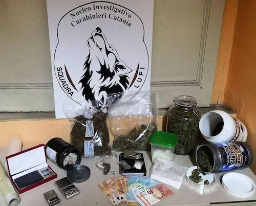 Droga di ogni tipo nascosta in casa, arresto a Catania