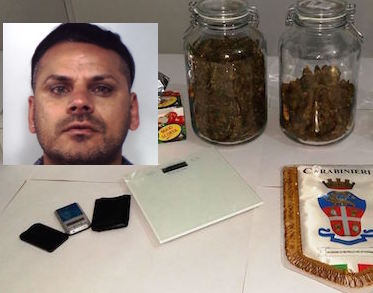 Una casa usata come deposito di droga nel Catanese, arresto