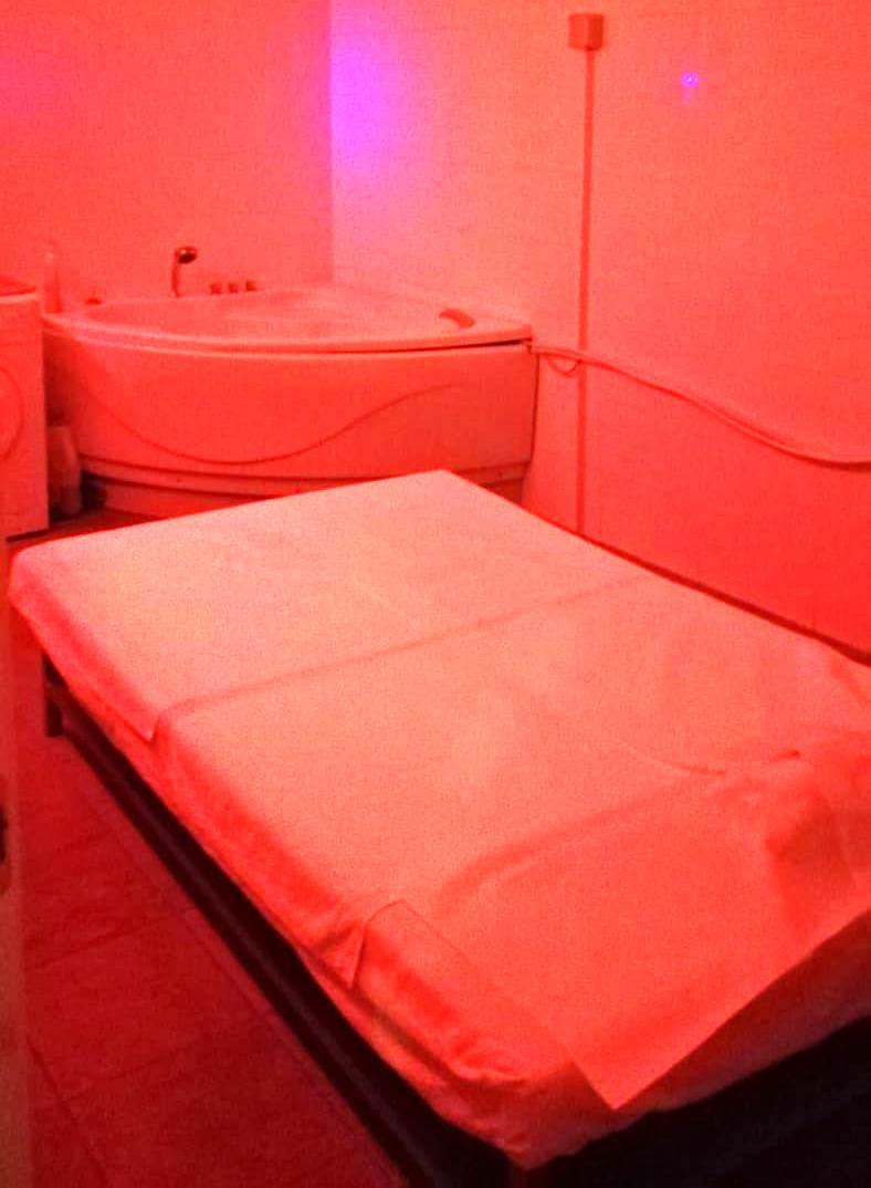 Centro massaggi a luci rosse a Catania, scatta il sequestro