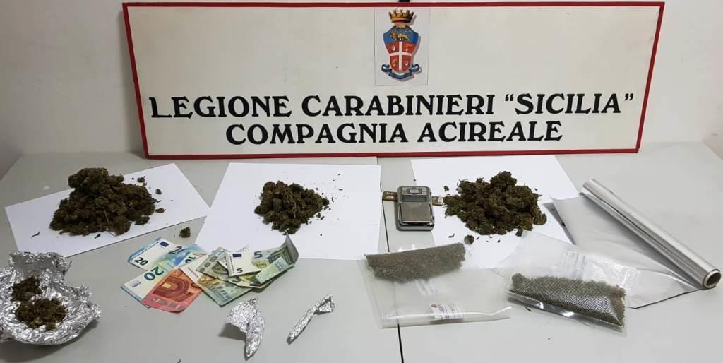 """In casa un """"negozio"""" di droga: arrestato ventiduenne ad Acireale"""