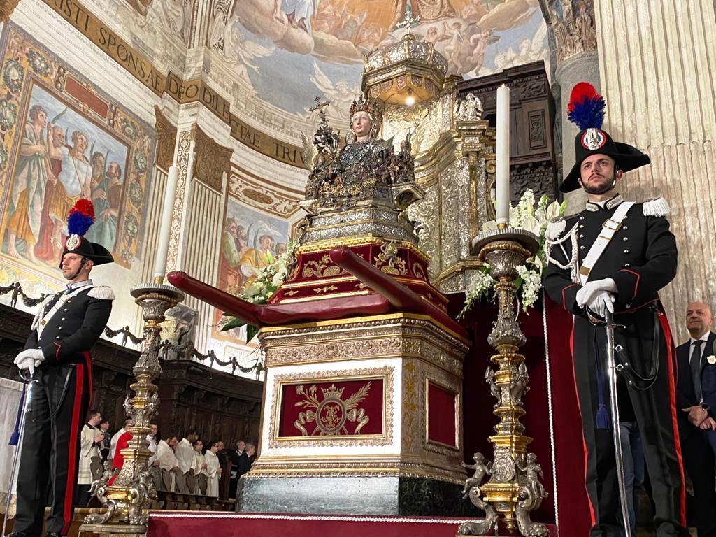 Bagno di folla a Catania per Sant'Agata: sarà festa fino all'alba di giovedì