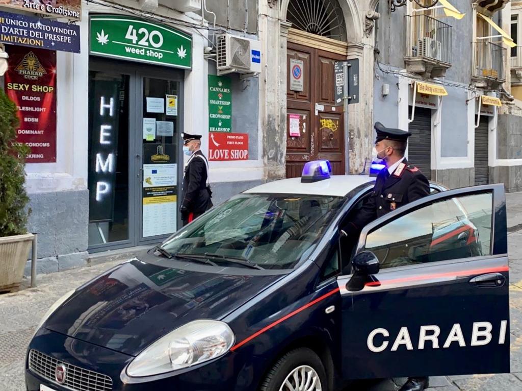 Chiuso un sexy shop a Catania: denunciato titolare e quattro clienti