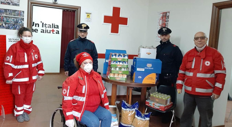 Carabinieri di Viagrande donano generi alimentari alla Croce rossa italiana