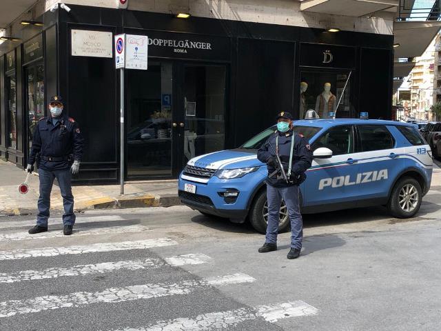 Consumavano bevande alcoliche in un bar aperto a Siracusa: 4 sanzionati