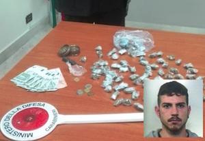Spaccio di droga a Biancavilla: arrestato un presunto pusher