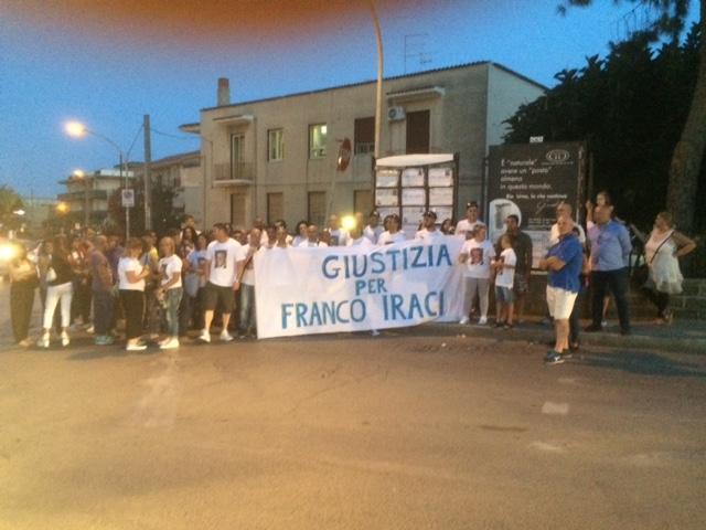 Siracusa, fiaccolata per Franco Iraci nel trigesimo della sua morte