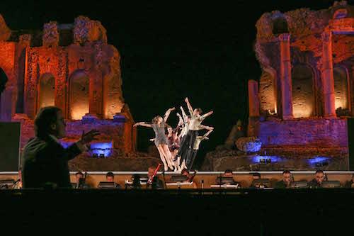 """La Carmen """"danzata"""" di José Perez conquista il Teatro di Taormina"""