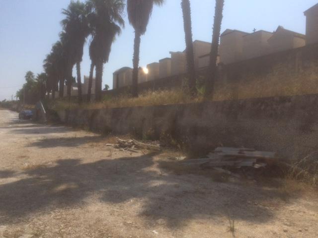 'Floridia in Comune': amianto nel recinto del cimitero, discarica da rimuovere