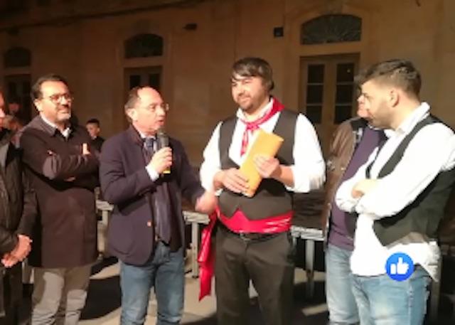 """Rosolini, siparietto tra sindaco e Spadola: """"Mettiamo da parte tutte le incomprensioni"""""""