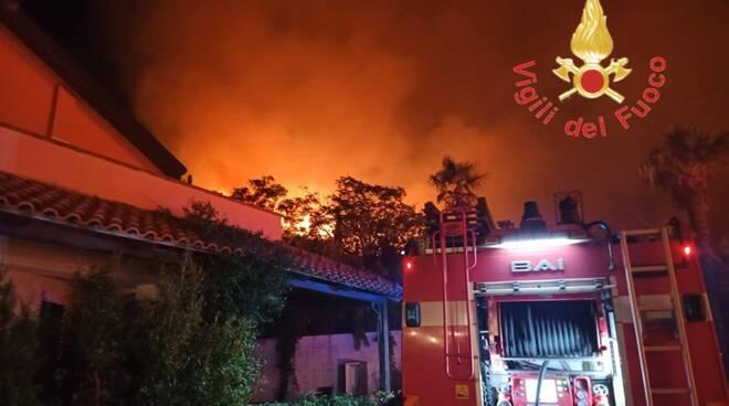 Incendi, Regione Calabria chiede la mobilitazione della Protezione civile