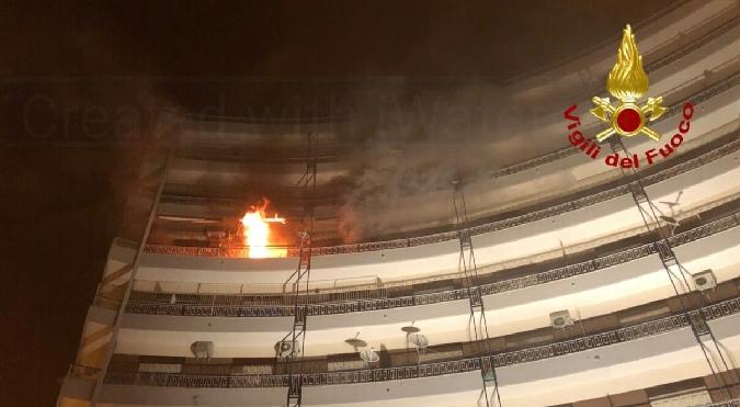 Quattro incendi in abitazioni nel Catanese provocati dai fuochi