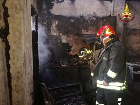 Incendi in una casa nel Catanzarese, morta carbonizzata una 93enne