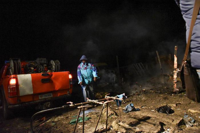 Migranti: incendio nel Gran Ghetto di Rignano, 2 morti
