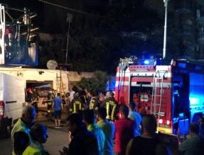 Tre roghi in un quarto d'ora a Palermo, negozi in fiamme