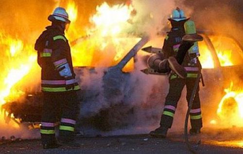 Intimidazioni: incendiata l'auto di un assessore comunale nel Salernitano