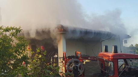Tragedia sfiorata a Villacidro, in fiamme l'abitazione di un'anziana