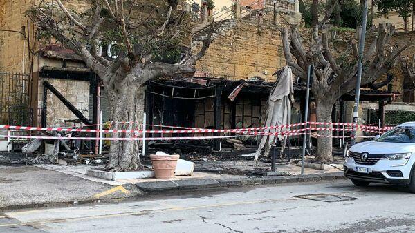 "Agrigento, un incendio distrugge lo storico bar ""Caffetteria Nobel"""