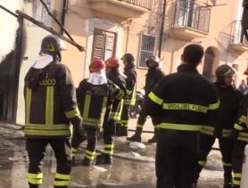 Scoppia un incendio a Palermo, evacuato edificio di corso dei Mille