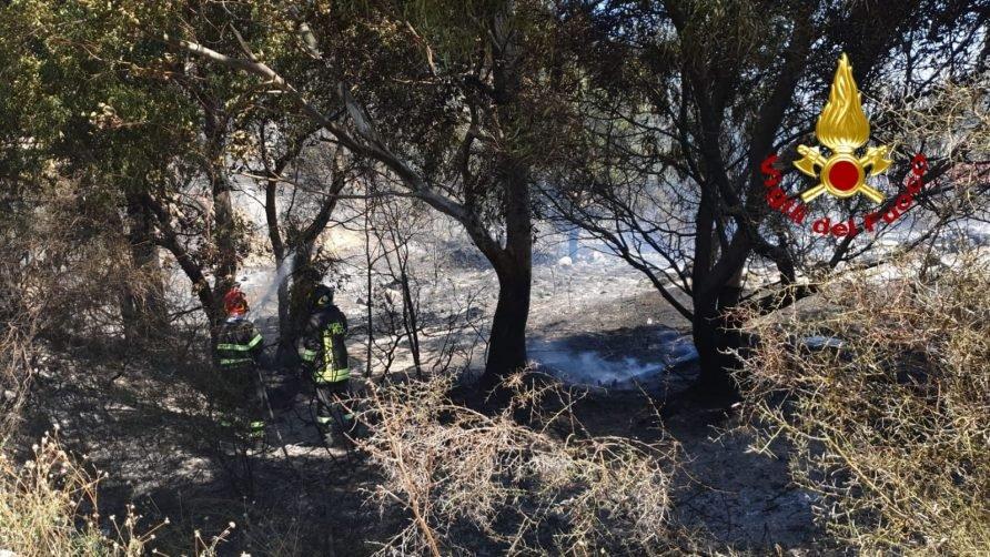 Appicca il fuoco nel Catanzarese, arrestato il piromane a Sellia Marina