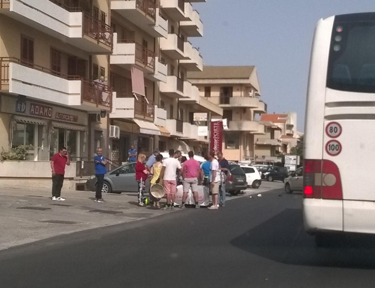 Modica, scooter contro auto: ferito un ragazzo di quindici anni