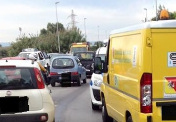 Siracusa, incidente in viale Paolo Orsi: ragazza finisce in ospedale