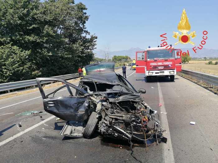 Cassano allo Ionio, morti 3 ventenni  e 4 feriti in un incidente stradale