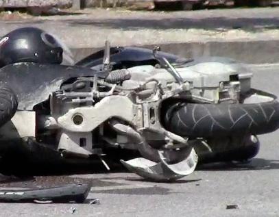 """Siracusa, studente a bordo di una moto travolto da un'auto: è all'ospedale  """"Cannizzaro"""""""