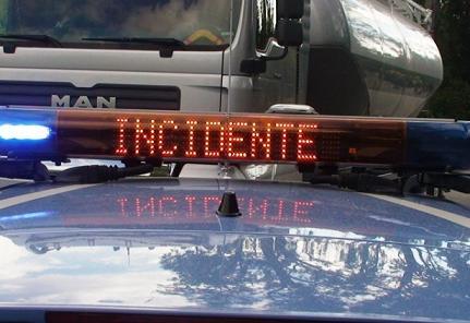 Scontro tra auto e ambulanza a Melilli, muore una donna