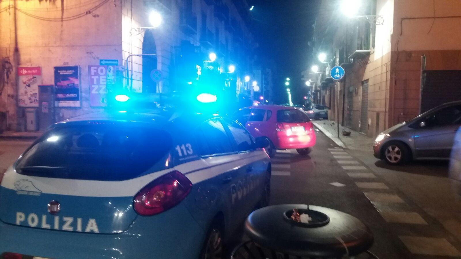Palermo, scontro fra una moto ed un'auto della polizia: un morto e 3 feriti