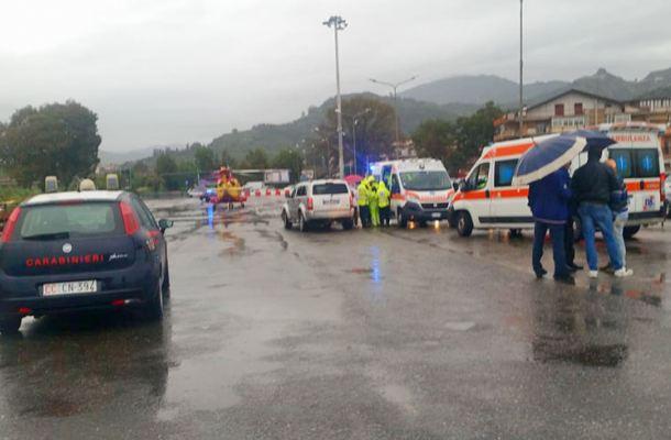 Si apre all'improvviso l'airbag e si schianta: morto a Santa Teresa Riva